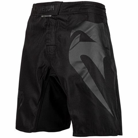 Venum Light 3.0 搏击短裤 - 黑/黑