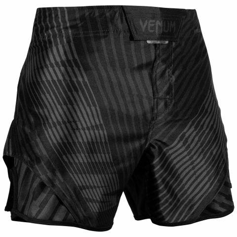Venum Plasma 搏击短裤 - 黑/黑