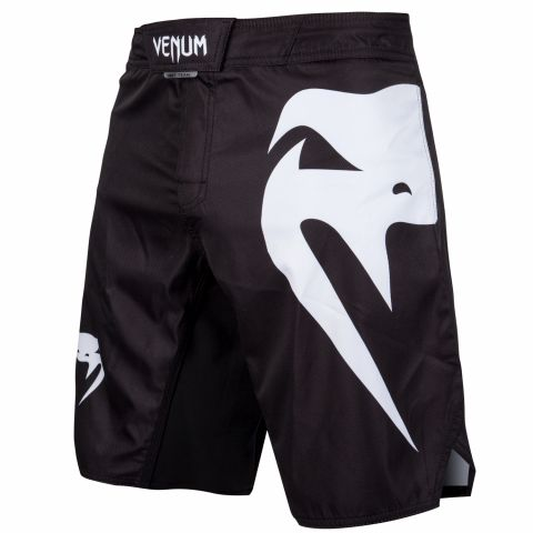 Venum Light 3.0 搏击短裤 - 黑/白