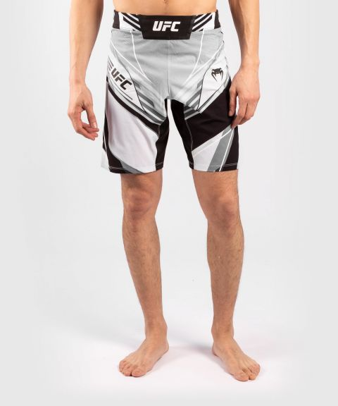 UFC VENUM AUTHENTIC搏击之夜男士短裤-长款 - 白色的
